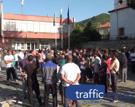 Жителите на Розино и ромската фамилия Ескендерови на нож - искат изселването им