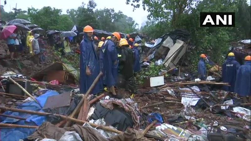 Мусони в Мумбай! Стена се срути - 15 са загинали, 60 са ранени