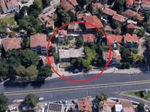 Една от най-известните недовършени сгради в Стария град се продава