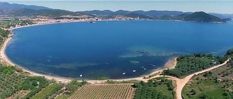 Защо българите държат на плажа в Гърция и бягат от родното море ?