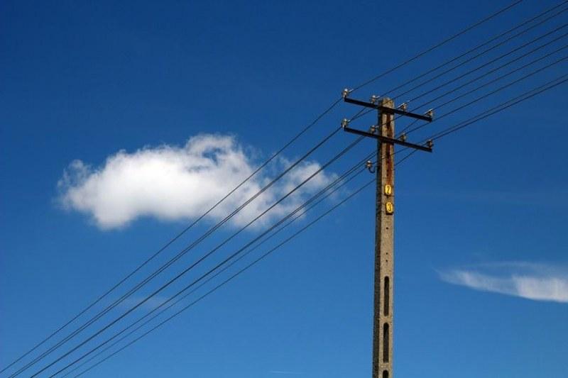 Големи предприятия в страната спират работа! Причината - високите цени на тока