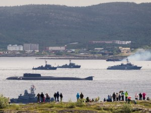 Москва призна, че пламналата подводница е ядрена