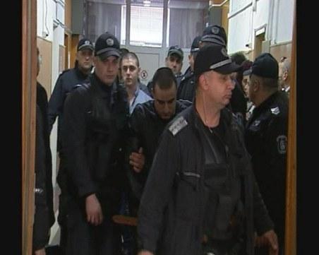 48  г. затвор си поделят тримата гардове от мола във Варна, пребили клошар до смърт