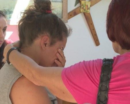 Майката на убитото дете в Габрово: Полицаите ми казаха да се изнеса от града