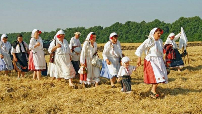 Летен Атанасовден е! Десетки фолклорни обичаи се изпълняват днес