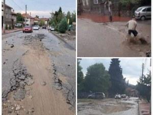 Бедствено положение е обявено във Ветрен, градът е непроходим