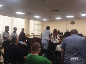 Райфъла с остри болки в съдебната зала в Пловдив, линейка пристигна намясто