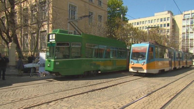 Жена издъхна в столичен трамвай, нямало климатик в него