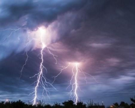 Чудовищна буря удари каварненското село Българево