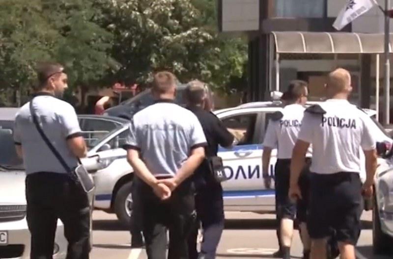 Слънчев бряг под полицейска обсада! Униформени от четири страни дежурят в курорта
