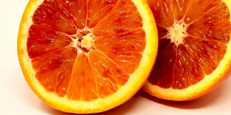 10 храни и напитки, от които тялото мирише страхотно