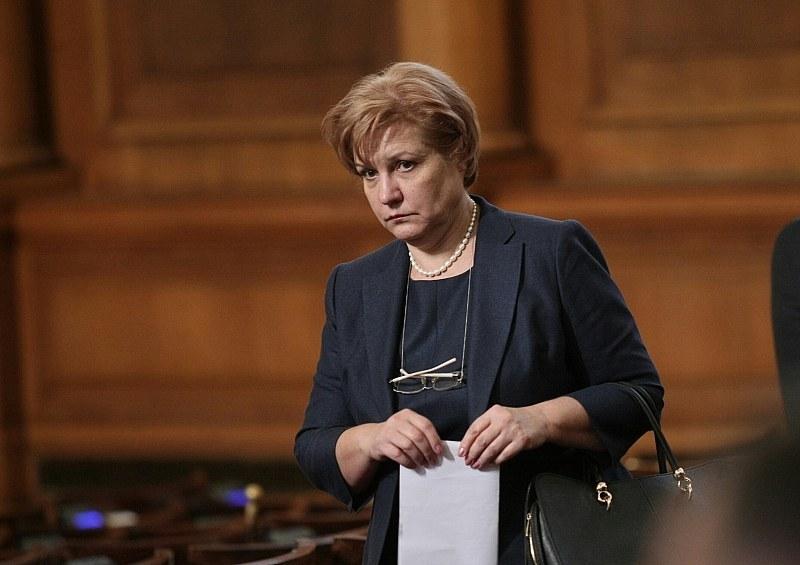 Менда Стоянова: Работата на Кацарски отдавна беше проблемна
