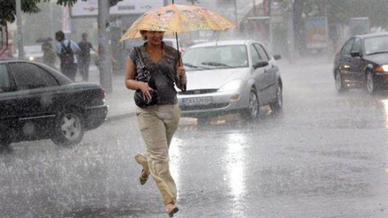 Разхлажда се  - нова порция дъжд с гръмотевични бури връхлитат България