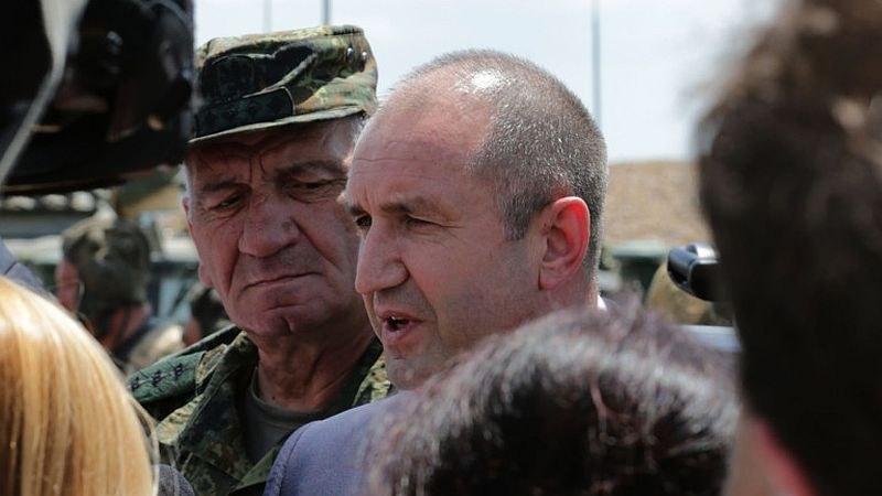 Президентът Радев коментира машинното гласуване и сделката за F-16