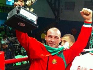 Боецът на българския кикбокс Владимир Вълев - Питбула празнува рожден ден