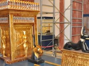 Мумията на Тутанкамон пристигна на изложба в Бургас