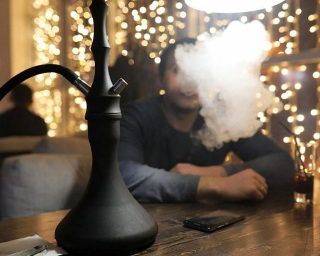 Депутатите пожалиха наргилетата, вдигнаха до 5 бона глобите за пушене