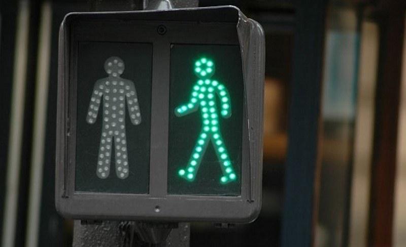 Шофьор блъсна 14-годишно момиче в Хасково и избяга