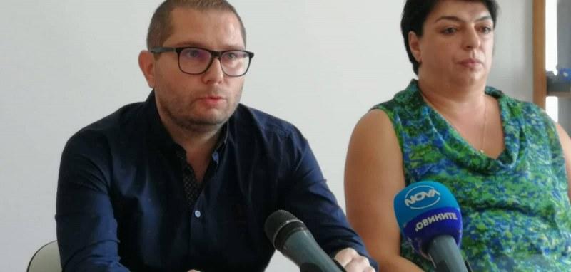 Синът на митничарката от Севлиево: Имам фирма с 3 млн. данъци, нормално е да се допитвам до мама