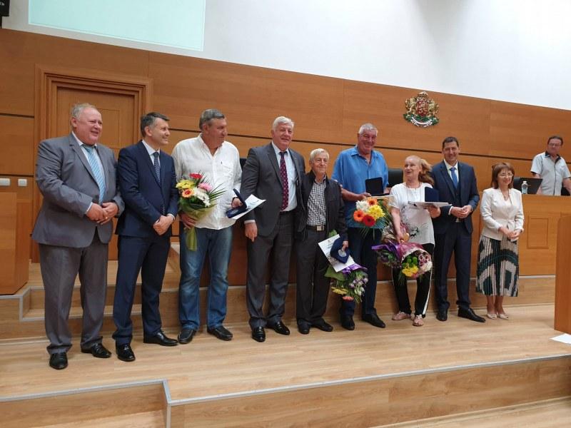 Връчиха почетен знак на четири спортни легенди на Пловдив
