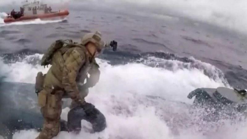 Американски командоси щурмуваха подводница, пълна с кокаин