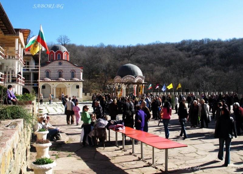 Готвач от Атон пристига за събора до Гигинския манастир