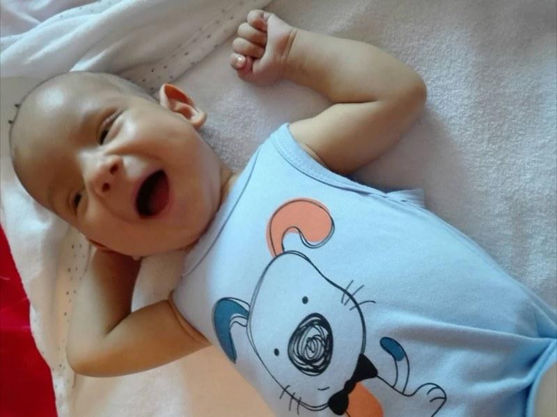 Зов за помощ: Остават броени дни до операцията на бебе Алекс, нужни са още пари