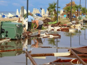 Плаж в събота, потоп в неделя в Бермудския триъгълник Пловдив-Керамоти-Халкидики