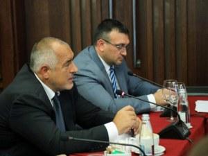 Вътрешният министър: Бойко Борисов ми е казал, че няма чадър над никого в България