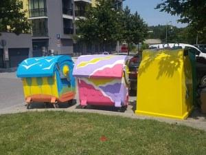 Художничка преобрази няколко контейнера за боклук в Пловдив
