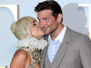 Лейди Гага и Брадли Купър заживели заедно?