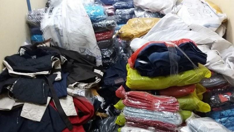 Удариха два склада с маркови дрехи - ментета