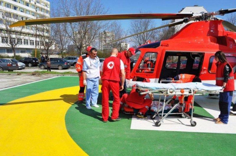 След продажбата на последния хеликоптер-линейка, застрахователи търсят спасение от чужбина