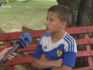 12-годишен се оплака, че е посинен от полицейски шамар