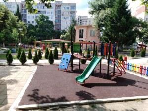 Няма места в яслите в Пловдив - 1000 деца останаха неприети