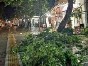 Нов апокалипсис застрашава Гърция, властите предупреждават за нови бури в страната