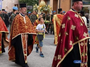 Пловдив посрещна мощите на св. Марина, литийно шествие ги отнесе в митрополитската църква
