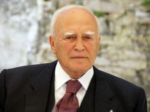 Фалшива новина обяви бивш гръцки президент за мъртъв