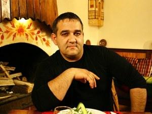 Радо Шишарката стана баща на 53 години