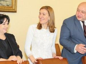 Роднини направиха Ангелкова и Кралев най-заможни сред министрите