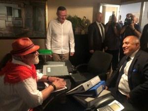 Борисов влезе в болницата на