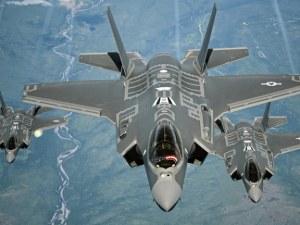 САЩ премахват Турция от програмата за изтребители F-35