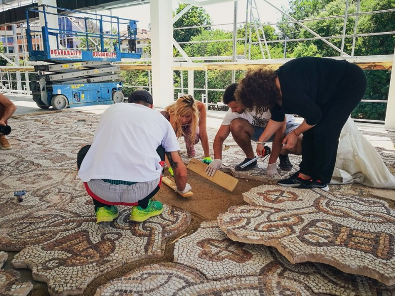 Реставрираните мозайки се връщат в Епископската базилика на Филипопол