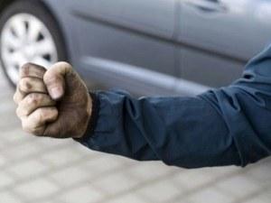 26-годишен нападна и преби възрастен пловдивчанин! Дядото е в болница, младежът - в ареста