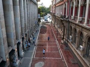 Столична улица стана тенис корт