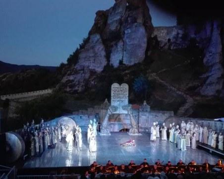 Белоградчишките скали се превръщат в декор, опера звучи в пещера Магура