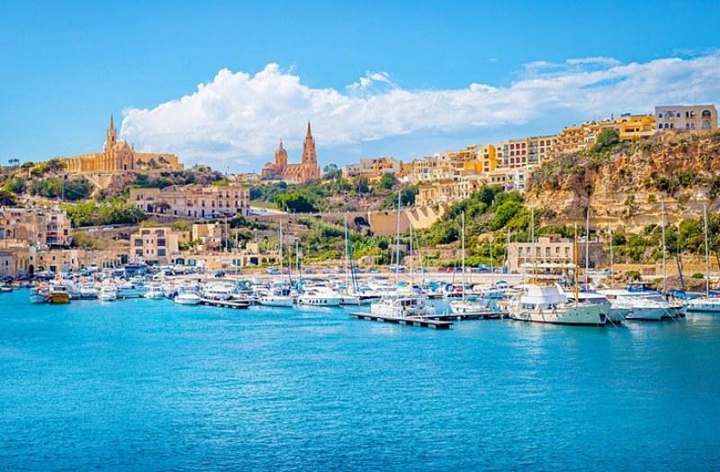 Огромна конкуренция за имоти на Средиземноморски остров! Сделката те прави европеец с паспорт