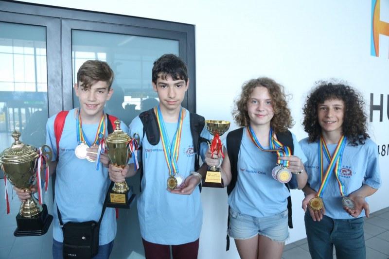Ученици от софийска гимназия станаха шампиони в Хонг Конг