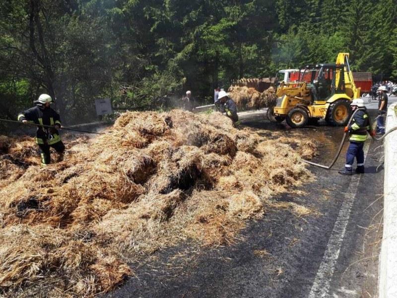 Горящ камион предизвика километрично задръстване на пътя Смолян - Пловдив