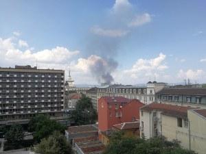 Пожар гори край Сточна гара в столицата